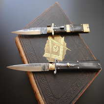 Italian switchblade stiletto by Lelle Floris