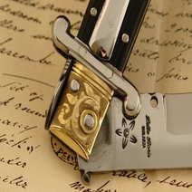 Italian switchblade cm 37 by Lelle Floris